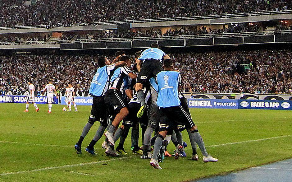 Botafogo elimina o Nacional e encara o Bahia na Sul-Americana ... 1da98fb24d012