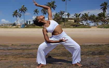 Yoga ajuda praticantes a superar limites e acreditarem em si mesmos
