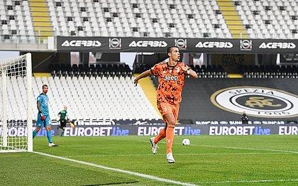 Cristiano Ronaldo fez dois gols sobre o Spezia