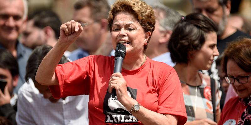 Em evento, Dilma chama Bolsonaro de 'coiso' e Temer de 'usurpador'