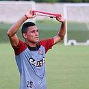 Léo Gomes vai defender o Athletico-PR a partir de 2020