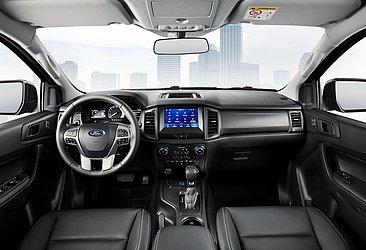 Todas as opções com cabine dupla possuem sete airbags, e a Black tem acabamento em couro