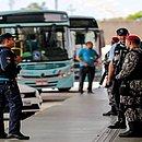 Força Nacional e do policiamento ostensivo em terminais de ônibus de Fortaleza hoje.