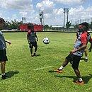Fabiano, Rodrigo Andrade, Eron e Fillipe Soutto batem bola no CT do Sport