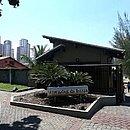 O condomínio Vivendas da Barra, na zona oeste do Rio, onde moravam o policial militar reformado Ronnie Lessa e o presidente Jair Bolsonaro