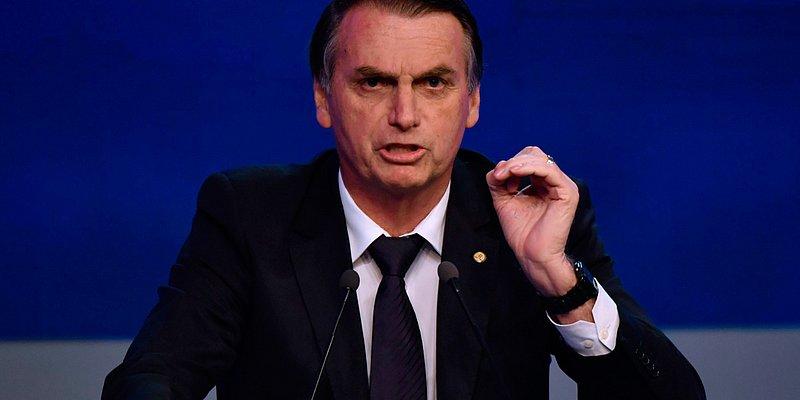 Após elogio de ex-líder da KKK, Bolsonaro recusa apoio supremacista