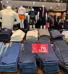 Salvador Norte Shopping: Polo Wear - calça jeans masculina, 1 peça R$ 79,99, 2 peças R$ 149,99