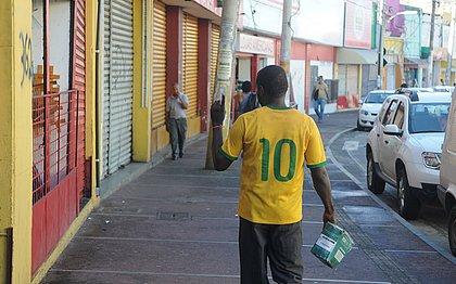 Sem ônibus, comércio de Salvador vê queda de até 90% nas vendas