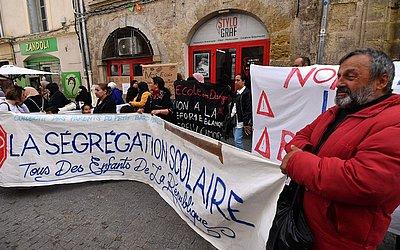 Protesto contra o projeto de lei Blanquer em Montpellier, no sul da França, que pretende estabelecer taxas para ingresso nas escolas.