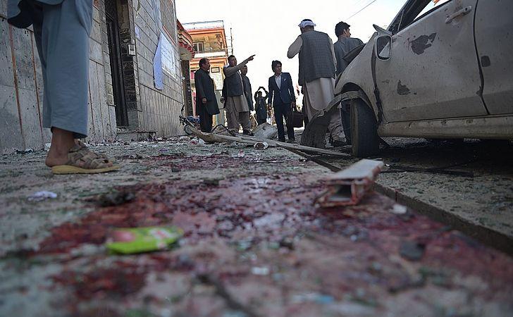 Atentado terrorista deixa pelo menos 31 mortos em Cabul