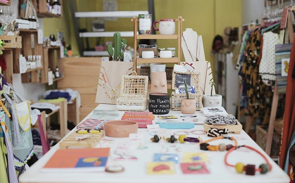 Loja colaborativa comercializada produtos feitos por mulheres