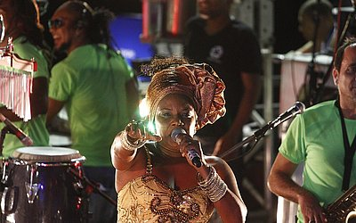 702bb54315 Cenas de Carnaval  Margareth Menezes - Jornal CORREIO