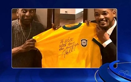 Camiseta de Pelé foi leiloada por R$ 29 mil