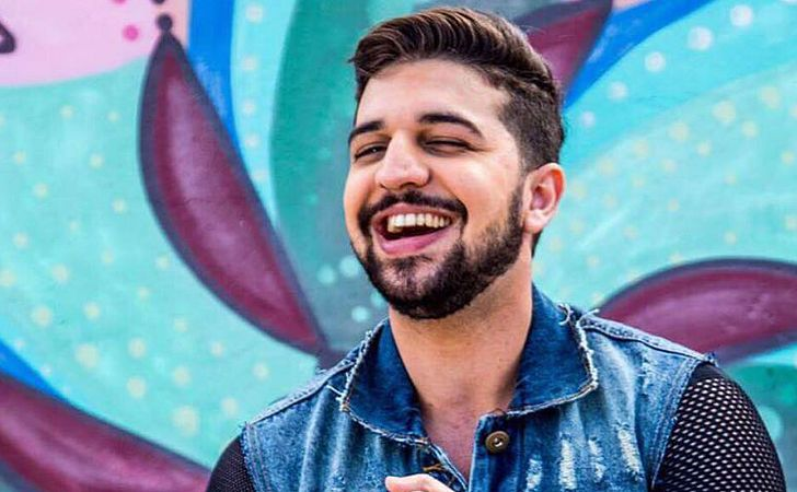 Cantor sertanejo Thiago Mastra lança CD no CORREIO