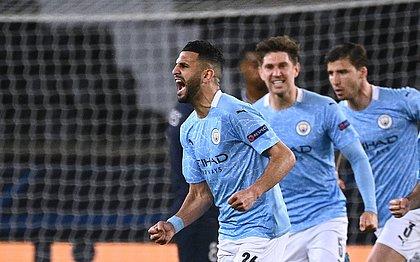 Mahrez comemora o gol da virada do City sobre o PSG