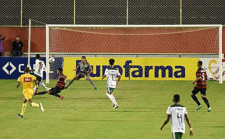 Vitória é goleado em casa na ida da final do Brasileiro Sub-20