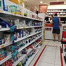 Prateleiras de farmácia no centro não têm mais álcool gel