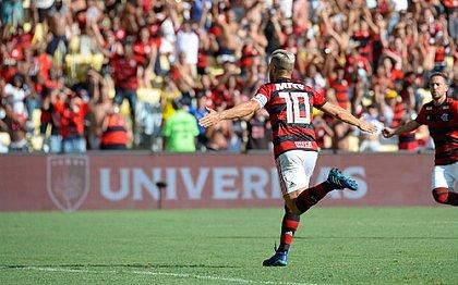 Flamengo apresenta Gabriel e Arrascaeta e vence o Bangu por 2x1