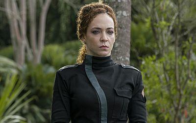Laila Garin interpreta Marcela, defensora ferrenha do Processo, acredita na intervenção militar e é capaz de matar