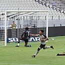 Jacaré abre o placar para o Ceará no estádio Castelão, em Fortaleza