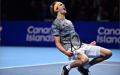 Zverev vence Medvedev e acaba eliminando Nadal do ATP Finals
