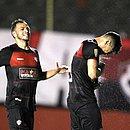 Léo Ceará se emocionou após gol marcado de pênalti