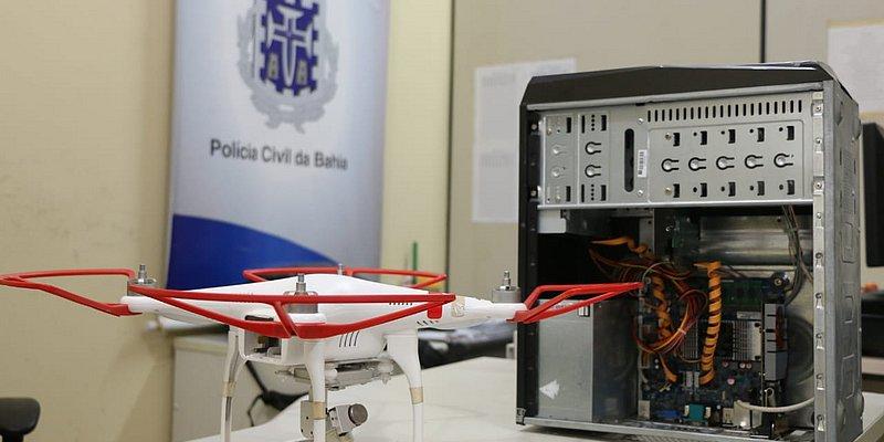 Polícia prende suspeitos que usavam drone para monitorar tráfico de drogas