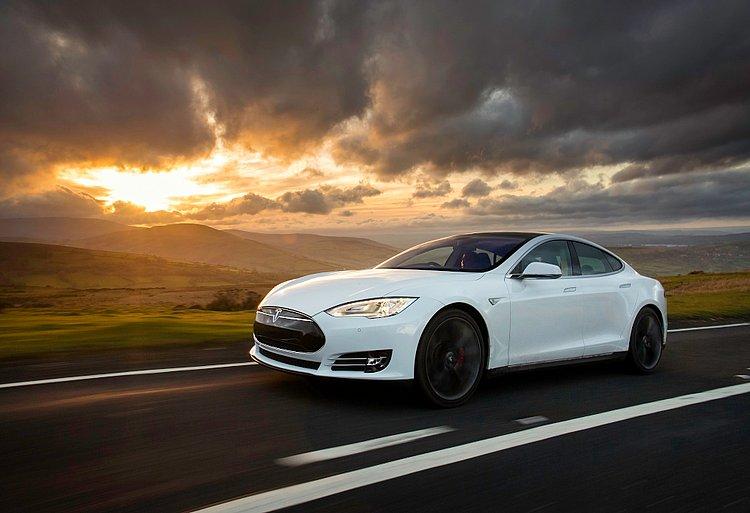 Tesla, Cadillac, Lada: 10 marcas de automóveis que não atuam no Brasil