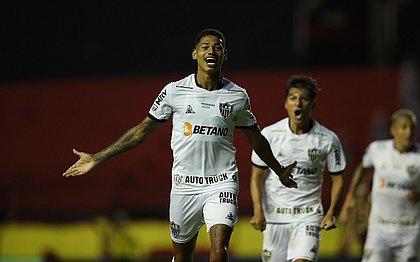 Marrony, nos acréscimos, garante vitória do Atlético-MG