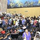 Servidores durante sessão na terça-feira (11), na Alba