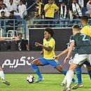 Willian em ação contra a Argentina