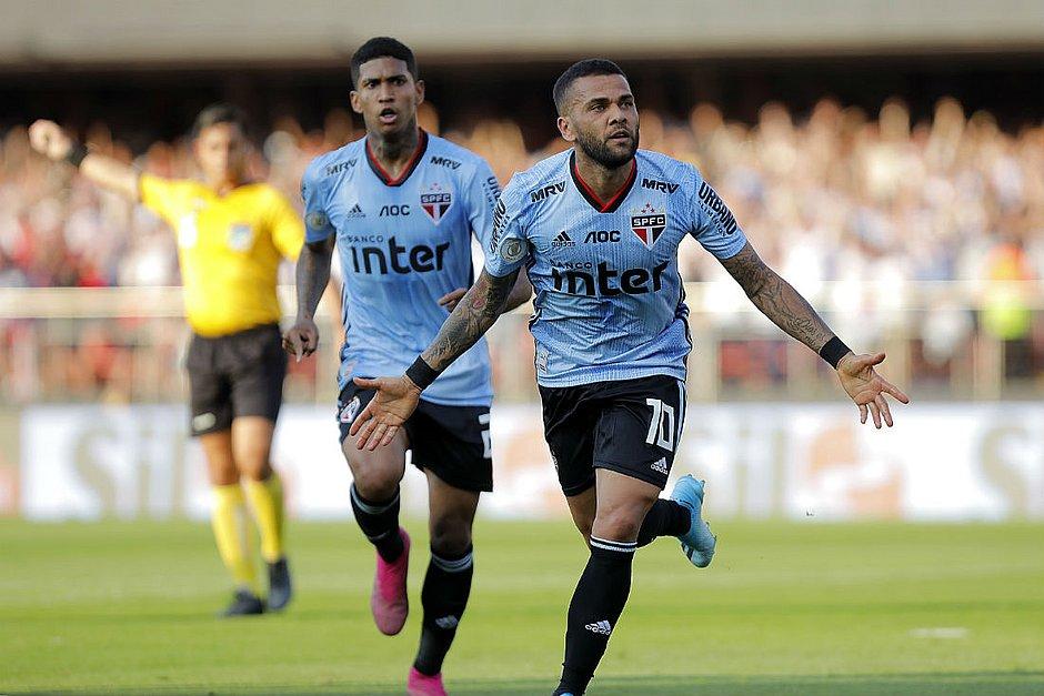 Daniel Alves vai desfalcar o São Paulo contra o Bahia