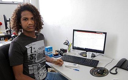 O estudante Iuri de Sá, de 18 anos, foi agraciado em evento na FIEB