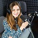 A voz é instrumento de trabalho para profissões como cantores, professores, atores ecomerciantes
