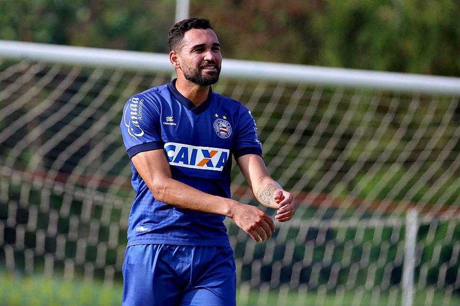 ea59ea1632 Gilberto negocia a renovação de contrato com o Bahia (Felipe Oliveira   EC  Bahia)