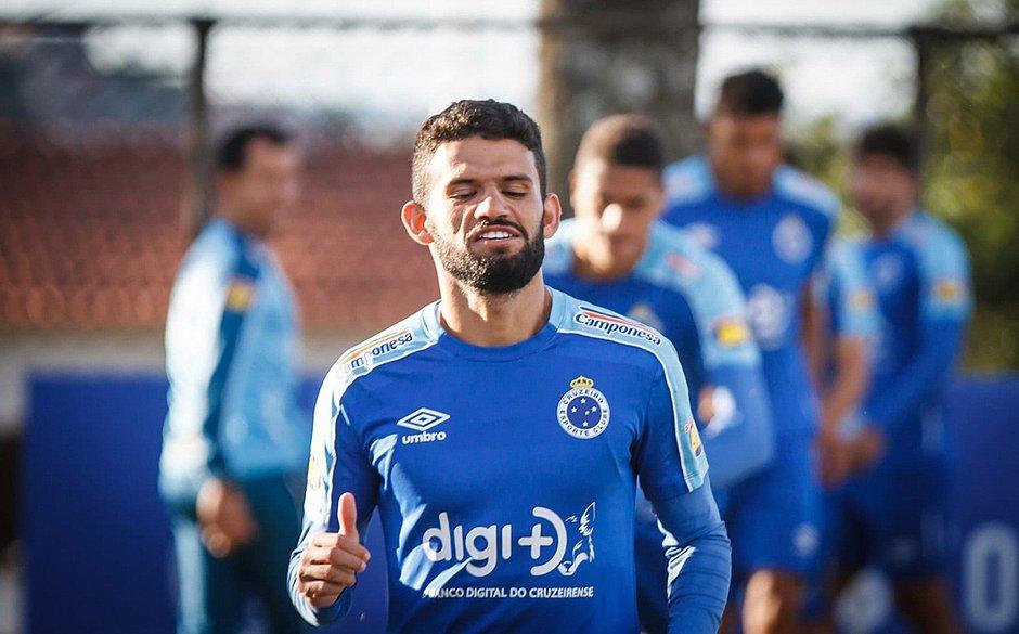 Bahia acerta o empréstimo do volante Jádson, do Cruzeiro
