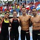 Ana Marcela, Viviane, Diego e Fernando comemoram resultado no revezamento misto