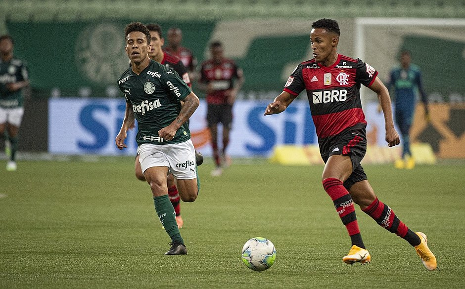 Jogo entre Palmeiras e Flamengo aconteceu após decisão do TST
