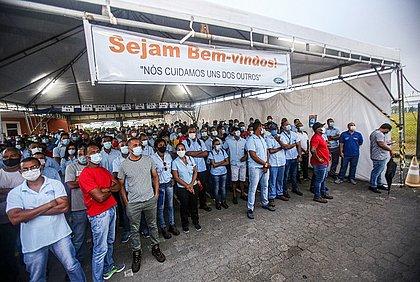 Trabalhadores ainda esperam uma reversão da situação