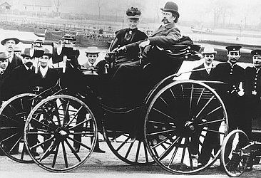 Bertha e seu esposo, Karl um dos fundadores da Mercedes