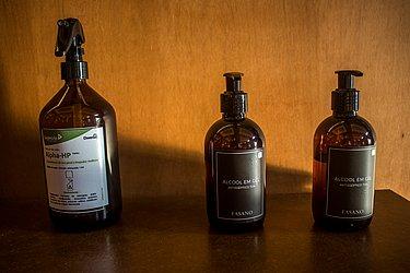 Produtos utilizados para higienização das mãos e superfícies