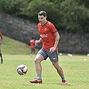 Atacante Vico treina na Toca do Leão após se recuperar de covid-19