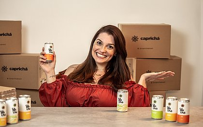 Rachel começou a fazer a sua kumbucha na cozinha de casa e hoje já tem uma fábrica da bebida