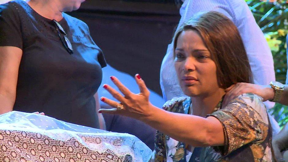 Flordelis é denunciada como mandante da morte do marido e filhos são presos