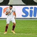 Gilberto vibra com o gol marcado por ele, o primeiro do Bahia contra o Botafogo
