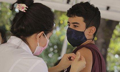 Salvador inicia a vacinação de adolescentes a partir de 12 anos nesta quarta-feira (22)