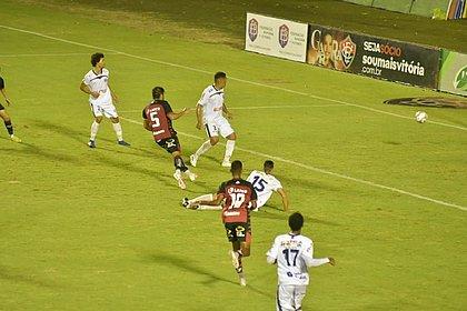 Com gol de Jean nos acréscimos, Vitória empata com o Bahia de Feira no Barradão