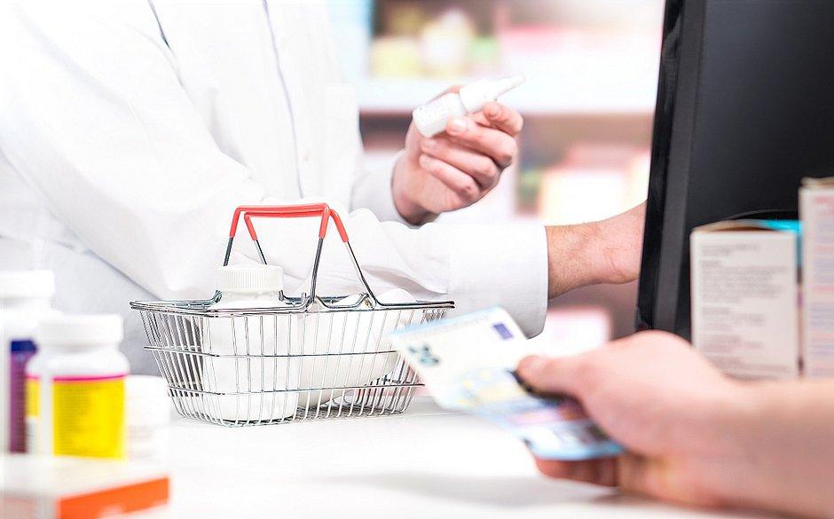 A farra das farmácias: preços de antitérmicos e vitamina C disparam