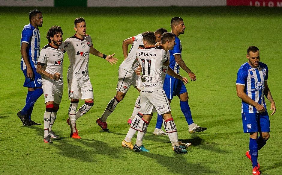 Vitória empata em 2x2 com o Avaí no estádio Ressacada, em Florianópolis