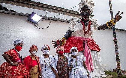 'Super Baiana de Acarajé', monumento feito pelo artista plástico Zaca Oliveira